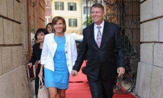 Iohannis, despre sotia sa: Va fi o prima doamna. Nu va fi zilnic alaturi de mine, la televizor