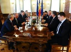 "Iohannis, discutii pe votul prin corespondenta si numarul de parlamentari: ""Speram sa puna presiune"""