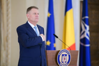 Iohannis, la Iasi: A fost aplaudat cand a vorbit de autostrada si huiduit cand a dat-o pe politica. Orban s-a adaptat din mers
