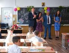 Iohannis, la deschiderea scolii: Azi pare mai usor sa copiezi, dar va indemn sa fiti corecti (Video)