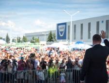 Iohannis, placut de peste 50% dintre bucuresteni. Basescu, devansat de Dan Voiculescu - sondaj Avangarde