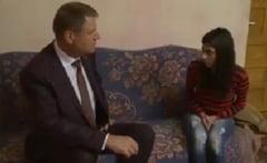 Iohannis, vizita emotionanta la o fetita a carei mama e plecata in strainatate (Video)
