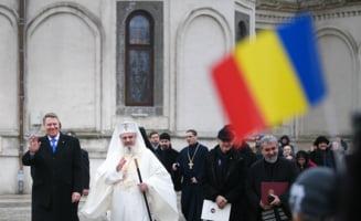 Iohannis a depus o coroana la statuia lui Cuza. Palatul Cotroceni va fi iluminat tricolor