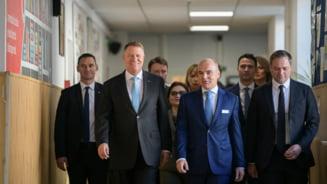 Iohannis a facut o vizita fulger la sediul PNL pentru o scurta discutie si o sesiune foto (Video)