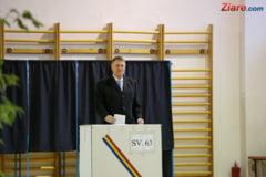"Iohannis a votat: Astazi este ziua campionilor cu stampila ""votat"" in mana. Dragi romani, fiti toti campioni azi! (Foto&Video)"