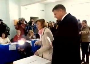 Iohannis a votat de ziua sotiei: Sunt foarte optimist! (Video)