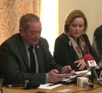 "Iohannis amana inaintarea in grad a col. Paraschiv, supranumit ""fantoma alba"""
