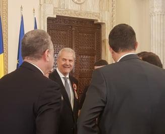 Iohannis anunta ca retrage decoratiile persoanelor cu condamnari penale