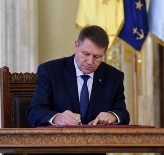 Iohannis ataca la CCR modificarile aduse Legii administratiei publice locale si institutiei prefectului