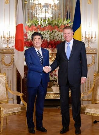 Iohannis e in Japonia. S-a intalnit cu premierul Shinzo Abe si va participa la intronarea imparatului Naruhito