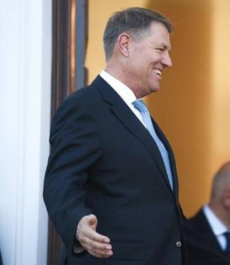 Iohannis glumeste cu un ministru despre remaniere, in timp ce Tudose si Dragnea se razboiesc in CEx