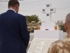 Iohannis i-a decorat pe militarii romani ucisi si pe cel ranit sambata in Afganistan (Video)