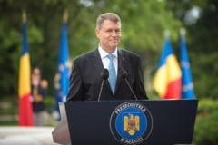 Iohannis ii raspunde lui Basescu: Romania nu e stat mafiot