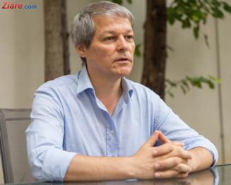 Iohannis il ataca pe Ciolos: Tot felul de politicieni se agata de tema sustinerii lui Kovesi