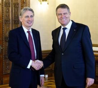 Iohannis l-a primit la Cotroceni pe ministrul britanic de Externe: Drepturile romanilor, pe agenda