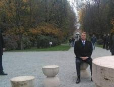 Iohannis primeste si felicitari pentru ca s-a asezat la Masa Tacerii: Vor trece bancurile si insultele