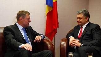 Iohannis s-a intalnit cu presedintele Ucrainei, dupa negocierile de pace de la Minsk (Video)