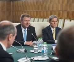 Iohannis si Ciolos, vazuti de Iliescu, Basescu si Antonescu