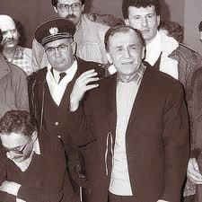 Ion Caramitru, despre Iliescu: Inainte de 1989 era simbolul comunistului de omenie
