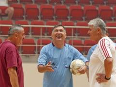 Ion Craciunescu, fost arbitru de fotbal, implineste 70 de ani. Singurul arbitru roman care a fost la centru intr-o finala de Champions League