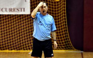 Ion Craciunescu ii cere lui Cosmin Contra sa demisioneze pentru un gest facut in timpul meciului cu Norvegia