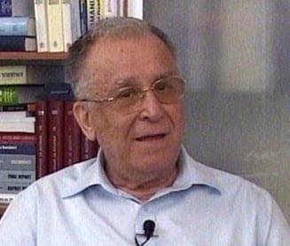 Ion Iliescu: Acum, presedintele este un factor perturbator
