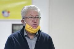 Ion Radoi, protejat de sindicaliști la ieșirea din sediul DNA, după ce a fost pus sub control judiciar de procurori
