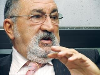 Ion Tiriac: Vanzarile de apartamente isi vor reveni in 2012