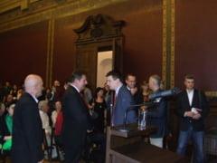 Ionut Vulpescu, ministrul Culturii, prezent la vernisajul expozitiei L'air du cirque de la Muzeul de Arta Timisoara