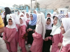 """Iranul a interzis orele de limba engleza in scolile primare ca sa evite """"invazia culturala"""""""