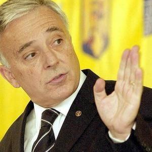 """Isarescu: Avalansa de """"experti"""" care-si dau cu parerea a creat panica (Video)"""