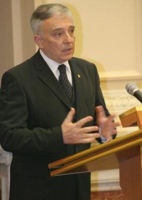 Isarescu: FMI va finanta Romania impreuna cu CE