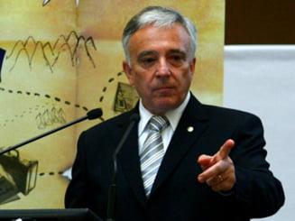 Isarescu: Nu exista un inlocuitor valid al politicilor economice coerente