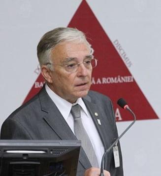 Isarescu: Romania e ca o piele de leopard, cu zone foarte dezvoltate si zone de saracie. Bucurestiul ar putea intra in zona euro