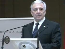 Isarescu: Romania va achita aproape integral anul acesta imprumutul de la FMI