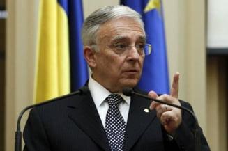 Isarescu, singurul care l-ar putea bate pe Antonescu la prezidentiale Interviu