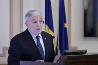 Isarescu garanteaza in Parlament ca ROBOR nu e manipulat: Noi nu scoatem dobanda din palarie. Nu ne jucam cu dobanda cum se juca cineva la televizor cu cartoful!