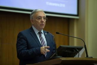 Isarescu n-a venit la audieri in Parlament, asa ca Zamfir i-a spus lui Teodorovici ca n-au ce discuta: Nu cu dumneavoastra aveam de lamurit!