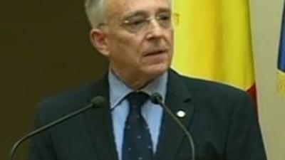 Isarescu si Ponta, pe primele locuri in topul increderii romanilor - sondaj INSCOP