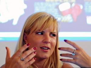 Isi mai are Elena Udrea locul la Turism?