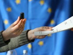 Islandezii au respins prin vot plata datoriilor catre Marea Britanie si Olanda