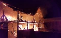 Iubita unui cunoscut antrenor de polo s-a spanzurat dupa ce a dat foc casei