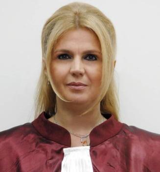 Iulia Motoc, judecator CCR: Intimidarile sunt din ce in ce mai agresive (Video)