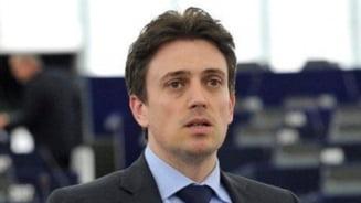 Ivan: Un presedinte de tara nu trebuie sa fie doar presedintele unui partid