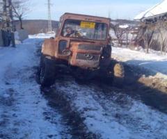 Izolati in Gusoeni din cauza unui drum impracticabil