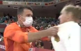 JO 2020: ce s-a întâmplat cu antrenorul român care și-a pălmuit sportiva înainte de a intra în concurs VIDEO