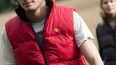 Jacheta rucsac, in care incap schimburi pentru mai multe zile (Video)