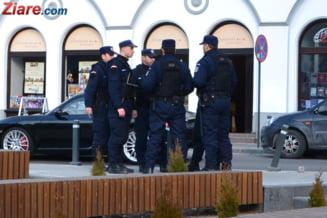 Jandarmii au intervenit la finalul unei piese de teatru din Iasi, pe motiv ca actorii au folosit cuvinte jignitoare (Video)