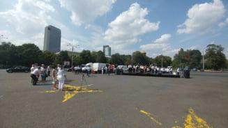 Jandarmii au sustinut un concert chiar acolo unde dadeau acum trei saptamani cu gaze si bastoane