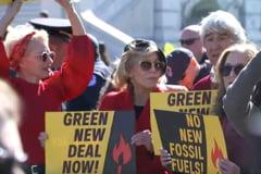 Jane Fonda a fost arestata. Ea si un alt mare actor au fost luati in catuse de la un protest climatic (Video)